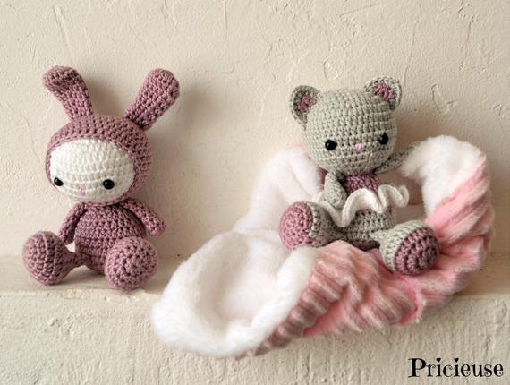 Blanc Rose Bébé Lièvre Lapin Jouet Crochet Accroché À Tricoter Kit ... | 430x570